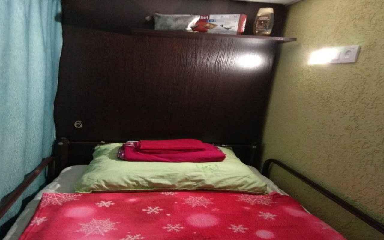 хостел кровать